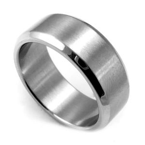 STAINLESS STEEL BRUSHED BAND RING SIZE 6